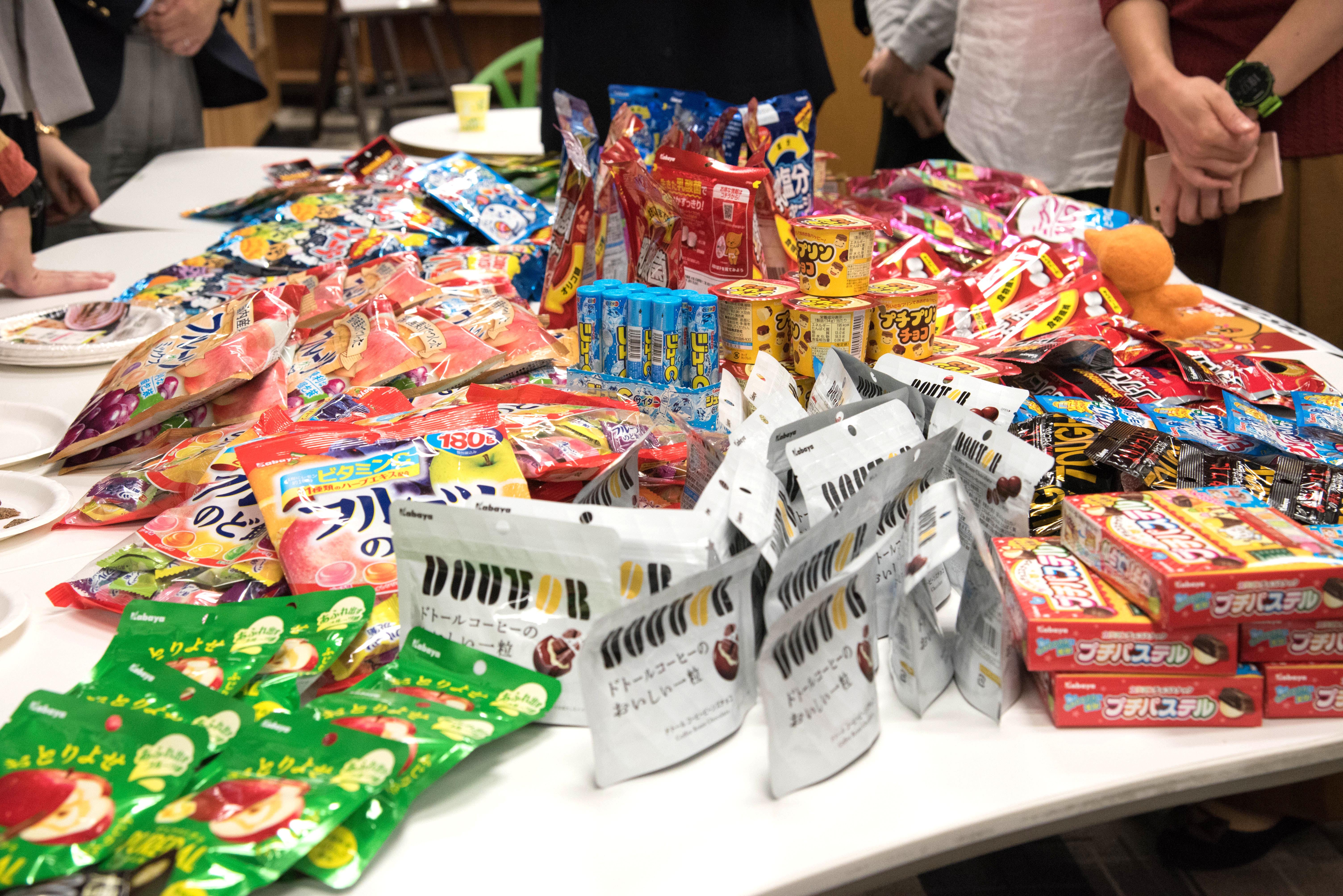 ウンログくん、乳酸菌お菓子のパッケージにのったってよ!お祝いイベントを開催しました!